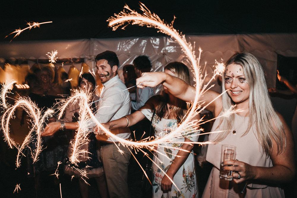 wedding-sparklers-pictures