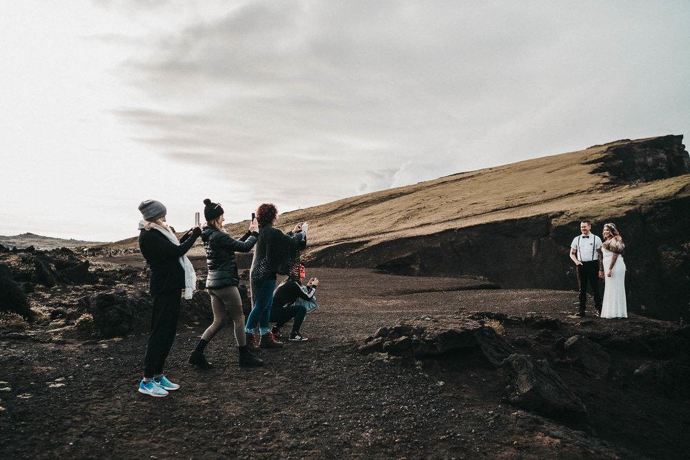 iceland-tourists