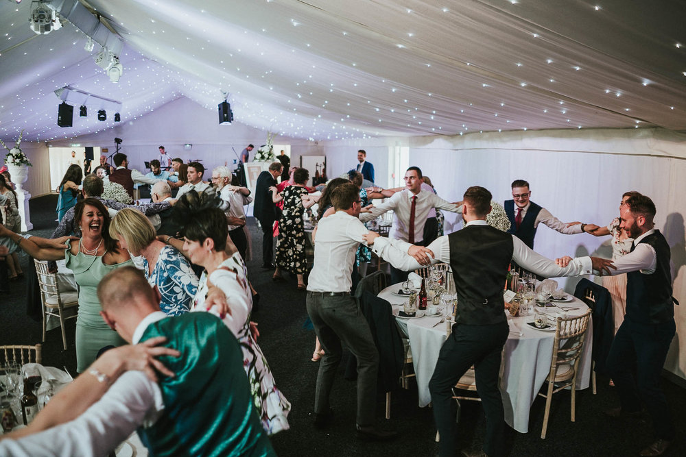 wedding-dancing-tables