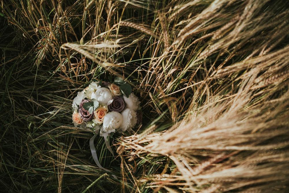 wheat-field-wedding-photos