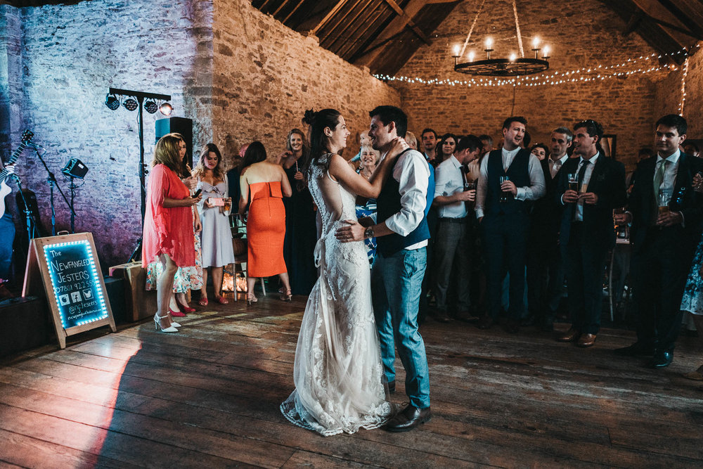 kingston country courtyard first dance