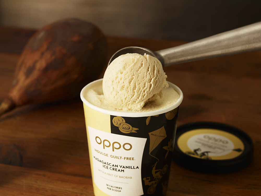 Oppo ice cream Madagascan Vanilla scoop. Indulge healthy.