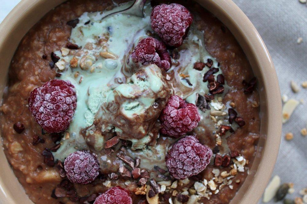 Oppo recipe: Choc chip porridge with mint choc Oppo
