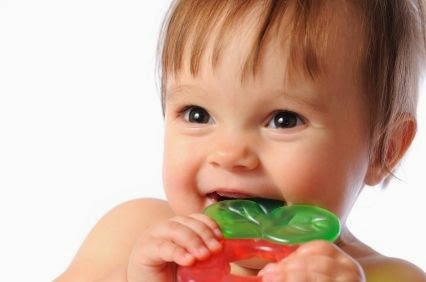 Cold Silicone rubber teething rings and pacifier are good to help your baby soothing the gums pain