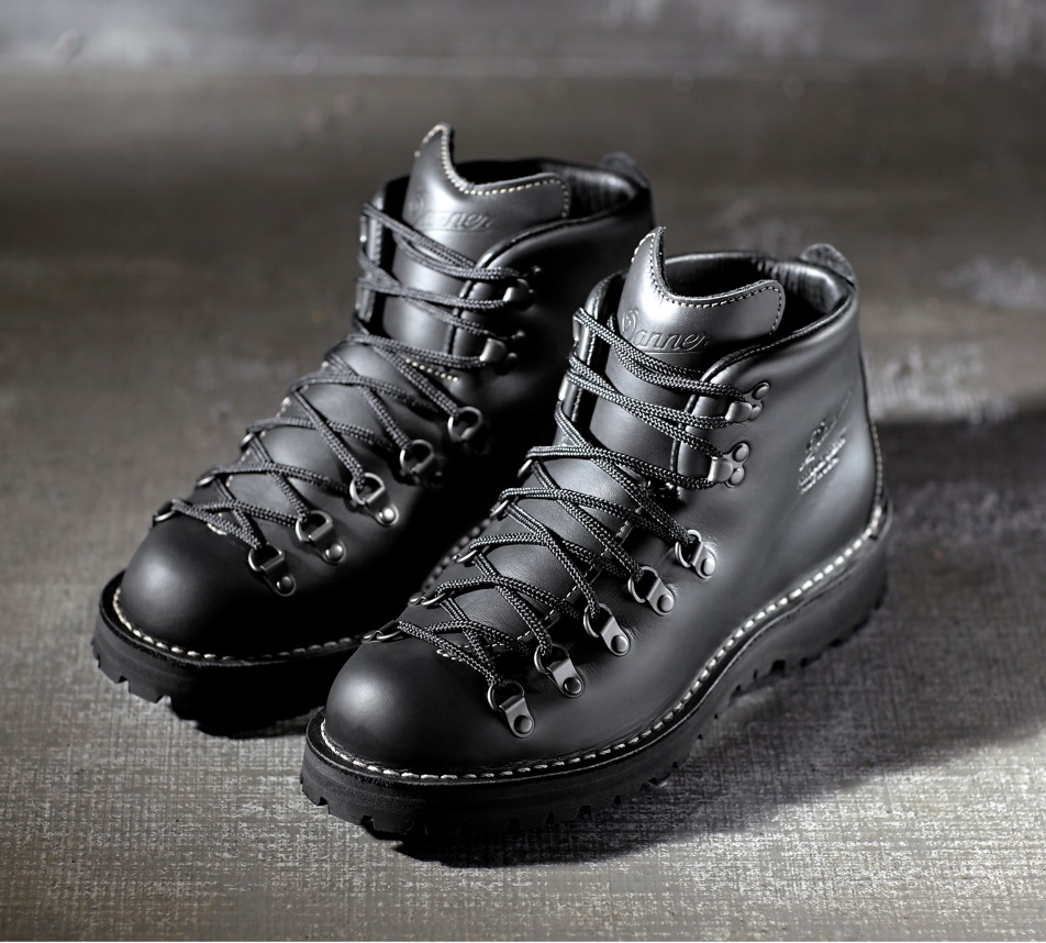 "MOUNTAIN LIGHT II 5"" BLACK BOOT -$350USD"