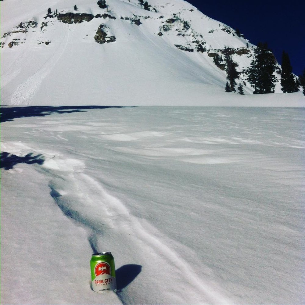 Right at home skiing pow in the Utah backcountry!! #beerporn#skibeer #utahsnow #utah #parkcity
