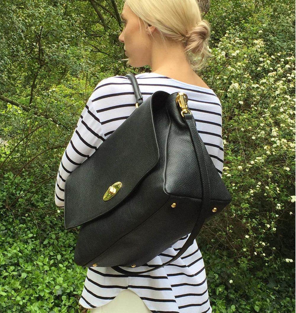 @Jazzbrell with her Fellini bag in black leather.