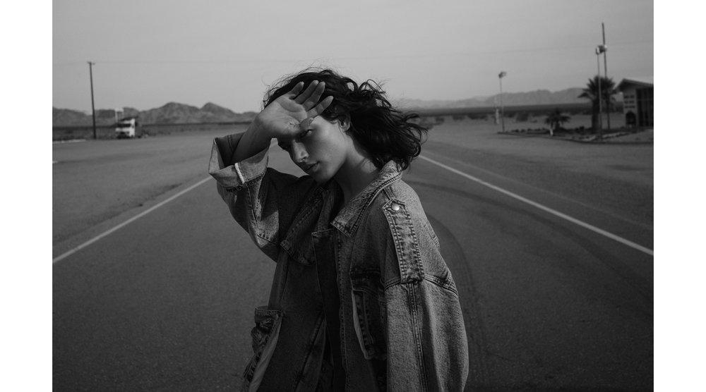 RORY_PAYNE_MCKENNA_HELLAM_VOGUE_MEXICO-1.jpg