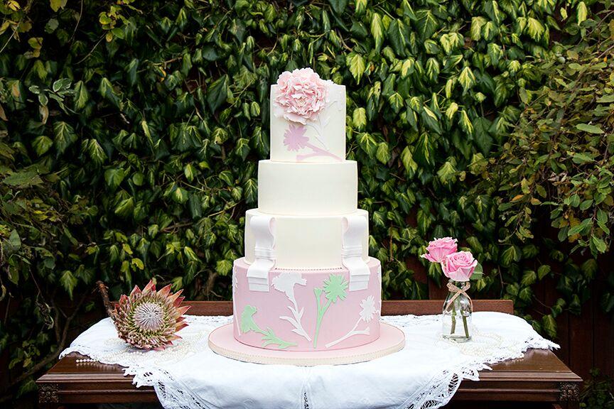 prada inspired cake.jpg
