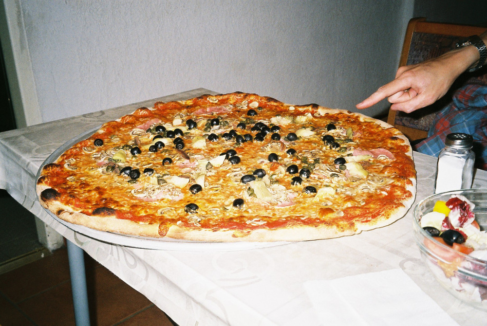 applying to uni. all roads lead back to notts.( CHECK THE SIZE OF THIS PIZZA.)