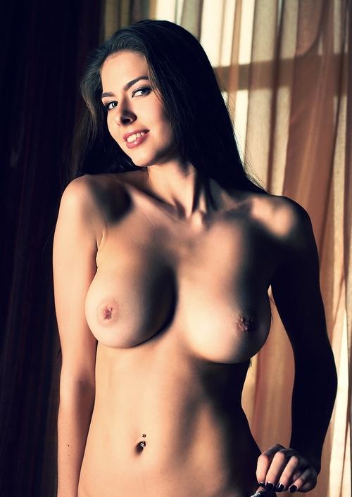 Arianna, 27 - Hunters Escort Agency