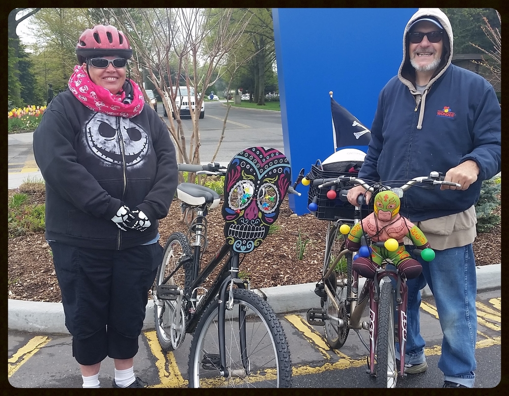 Caroline and Kenneth, making their bikes known