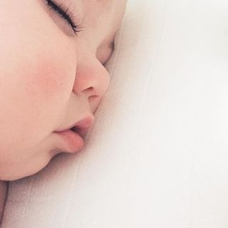 G😴😴d night, little dreamer! 📷 : @lynzyandco #ACdailycute #zzz #goodnight #baby