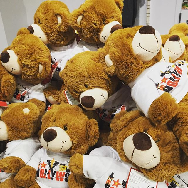 Hollywood bears... #hollywood #losangeles #bear #mountain #t #tshirt #brownhair #colorful
