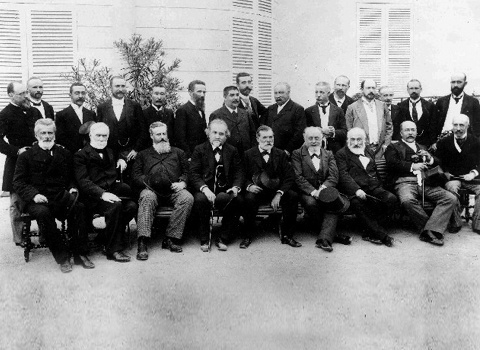 CPGM, 1875 pose for photo in front of Pavillon de Breteuil, Paris. Photo Cred:  Horizon-Magazine.eu