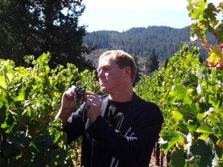 Robert_John_Vineyards_Berry_Sampling