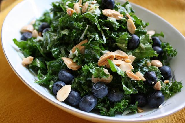 Kale_blueberry_salad