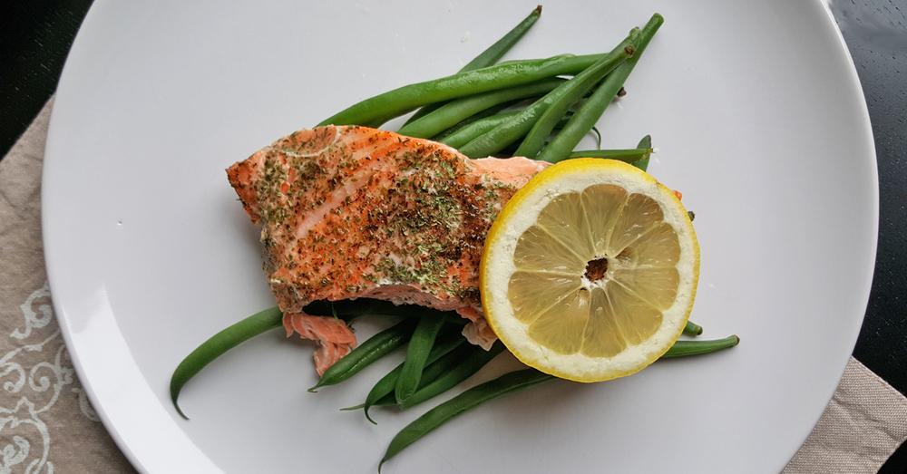 salmongreenbeans.jpg