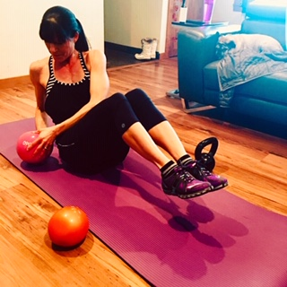 One of Lisa's favorite client's doing the Sweaty Hiit workout this morning.