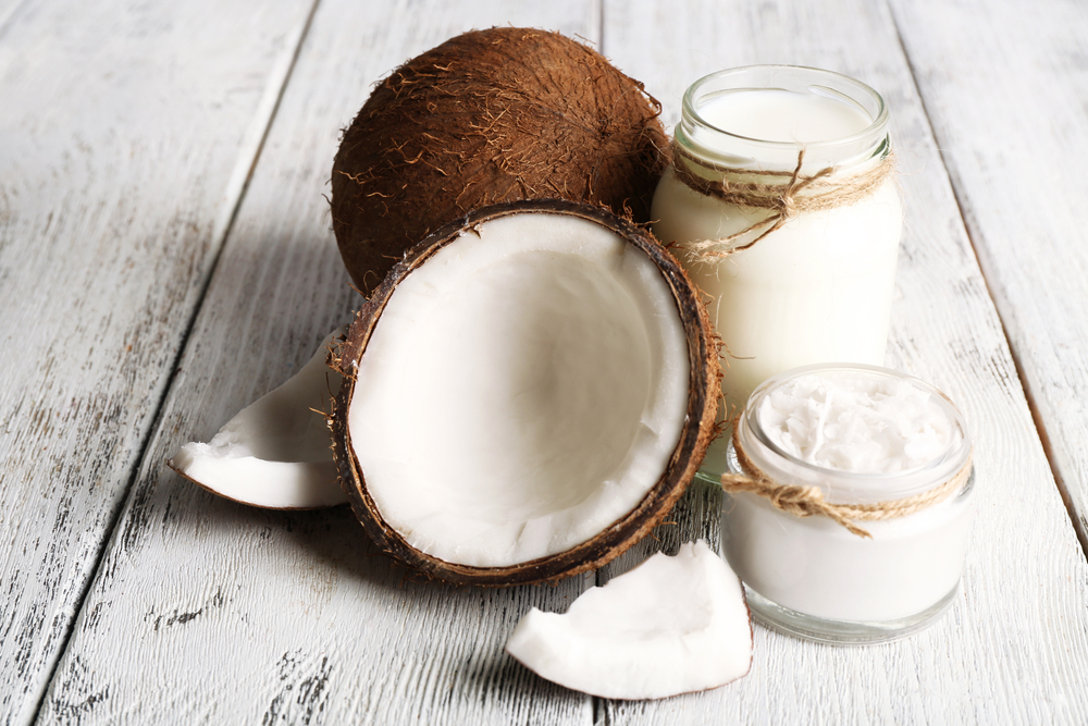 COCONUT OIL - The saturated fats in coconut oil have tons of amazing benefits. When applied to your lips, the fats in coconut oil help them retain moisture and keep them smooth and supple.