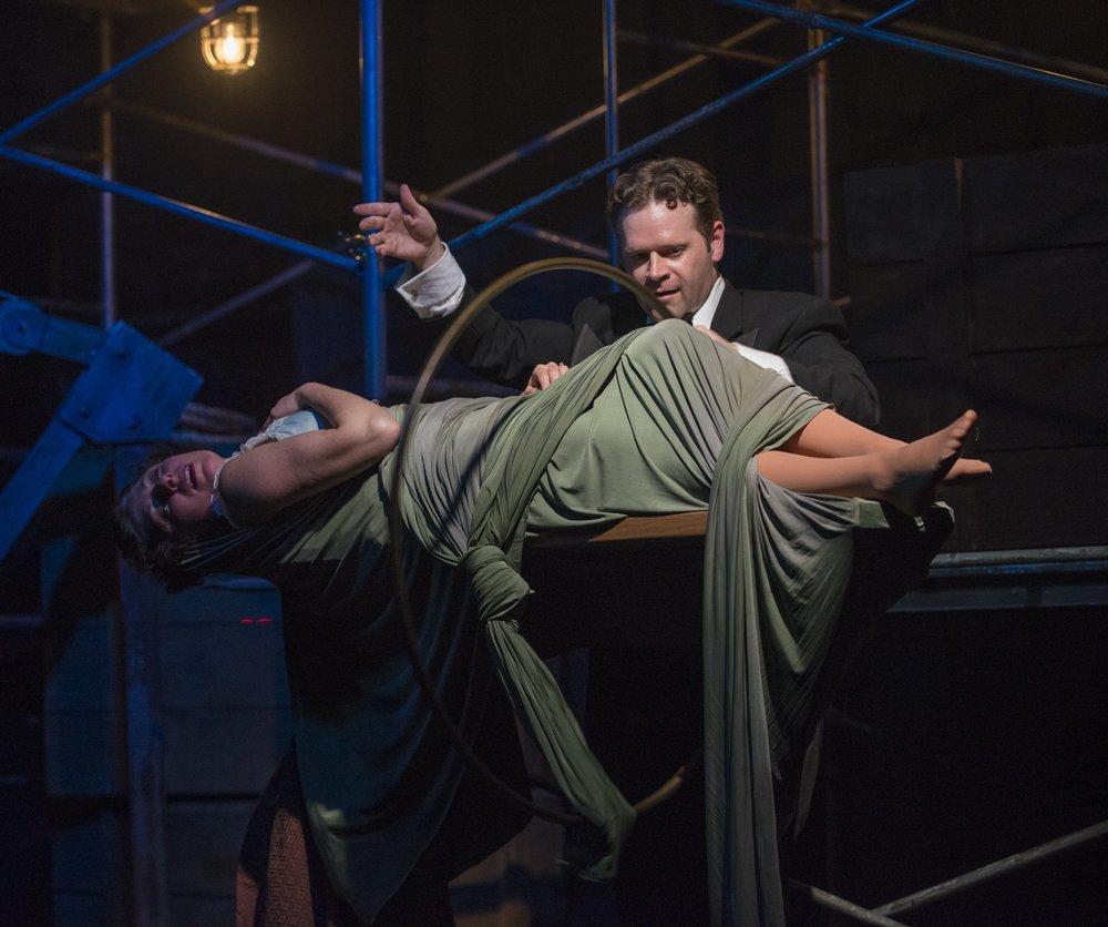 Houdini2016_008_HouseTheatre_Levitation_Watkins and Defrin_photobyMichaelBrosilow.jpg