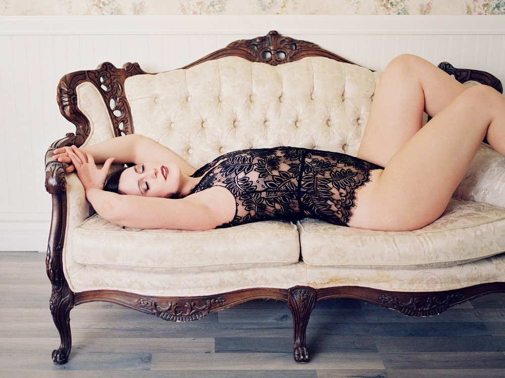 Mesa Fine Art Boudoir Studio Peaches & Twine Boudoir Photography Phoenix Film Boudoir Photographer 6.jpg