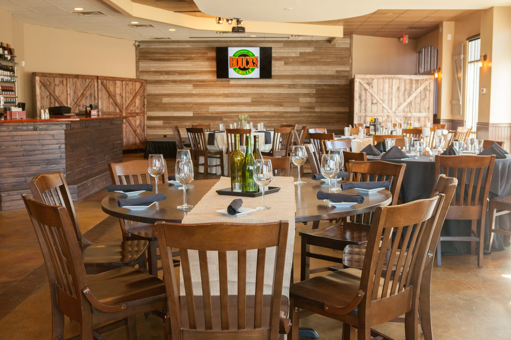 Banquets  Houck's supports local schools, sports teams, and associations. Host your banquets and live within any budget. Book our large room for a big event, or meet on our climate-controlled patio for more informal fun.
