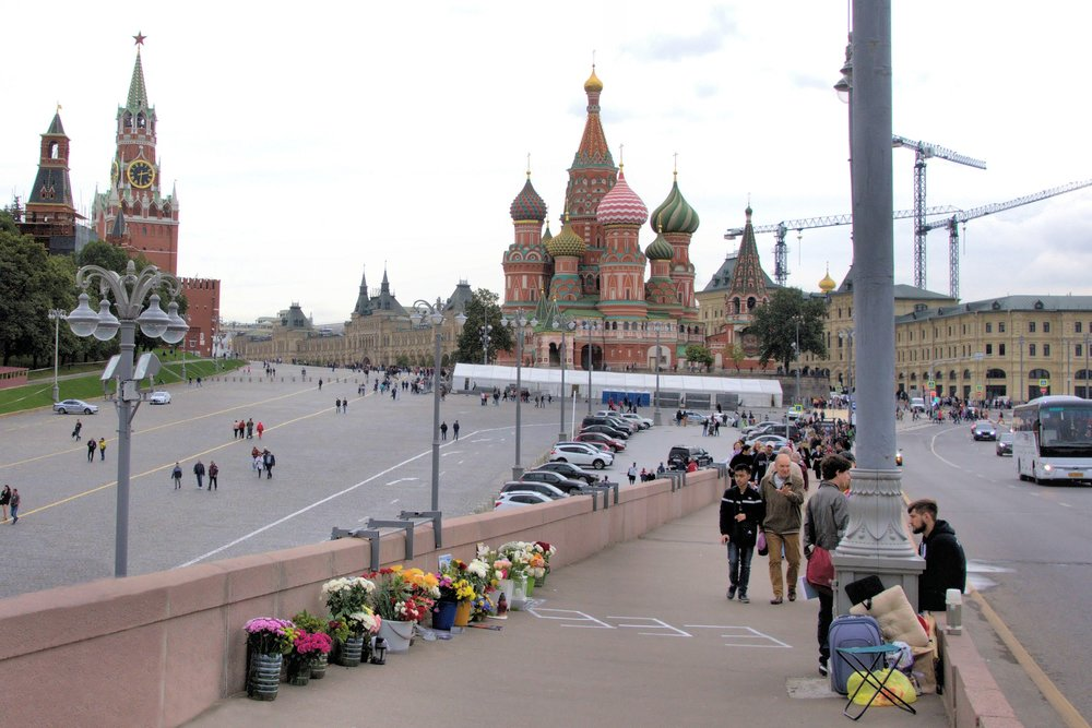 A make-shift memorial for the slain Russian opposition leader Boris Nemtsov is located at the exact location where he was murdered over 2 years ago. In view of the Kremlin and Red Square, supporters of Nemtsov hold vigils on the Bolshoy Moskvoretsky Bridge day and night. Watching over the memorial can be dangerous: supporters are subjected to frequent violent attacks by pro-Putin activists.
