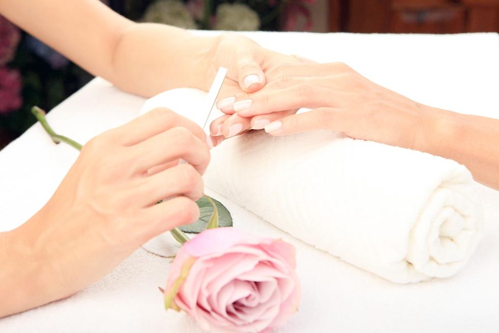 peachy keen gel manicure.jpg
