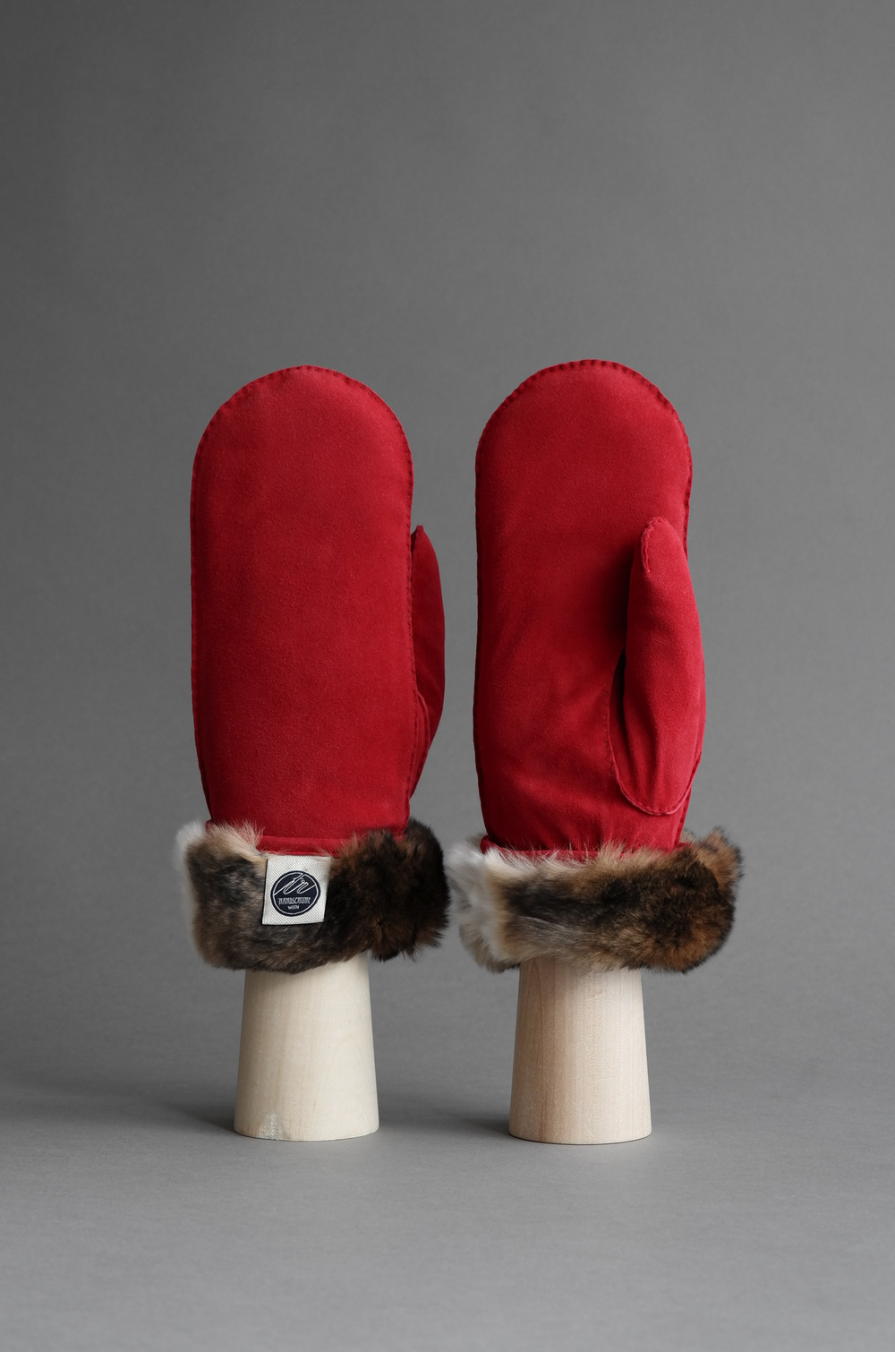 Thomas Riemer reindeer and orylag fur mittens