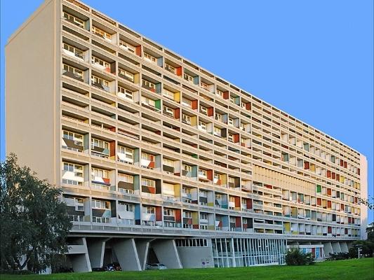 Unité de Habitacion de Marseilles. Marseille, França. -Fonte:https://travel.sygic.com/pt/poi/unite-d-habitation-poi:5256