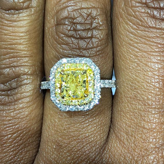 Happy Friday! More fancy yellow diamond #love. 1.22cts radiant cut with a double halo of .16tcw fancy yellow diamond pave and .64tcw white diamond pave. Set in 18kt white gold. #timeless #engagementring #fancyyellowdiamond #unicornjeweler