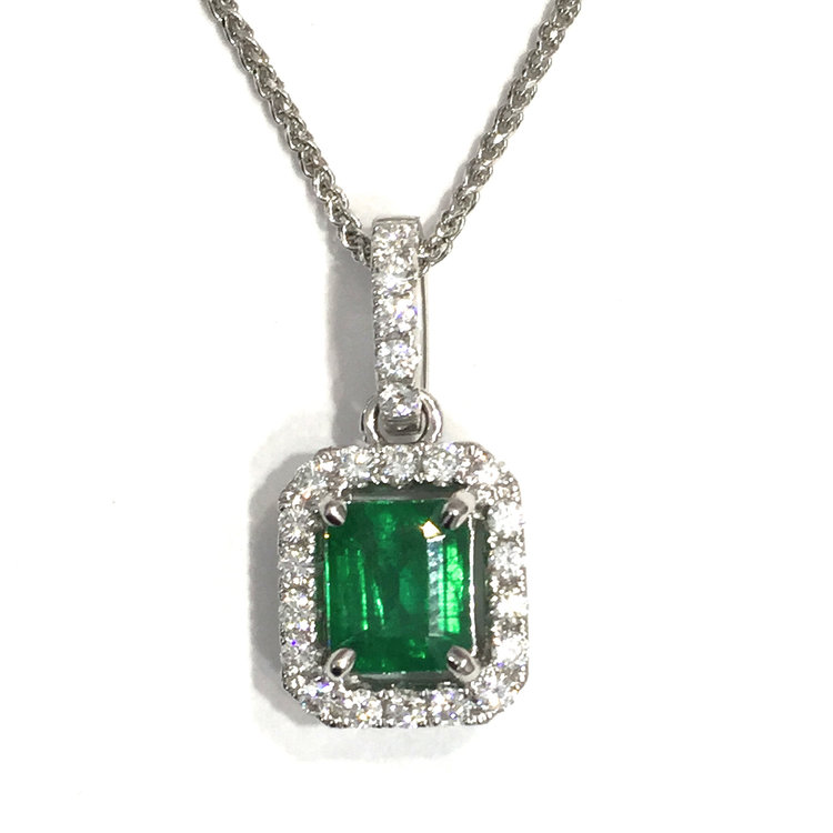pendant gold in cut diamond jewelry halo white emerald