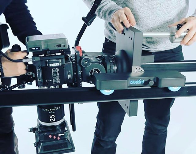 #filmmaking #redepic #slider #bluebirdonset #bluebird #bluebirdiseverywhere #topshot #sachtler #studioshoot #theadventuresofbluebird #filmmaking #