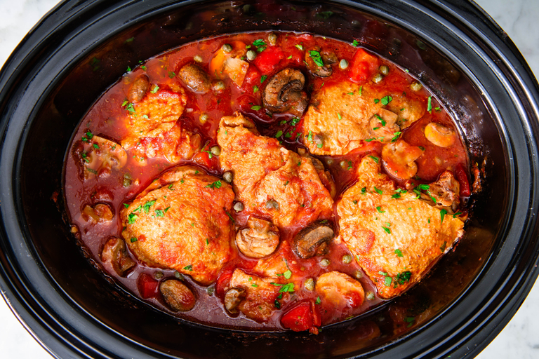 slow-cooker-chicken-cacciatore-horizontal-1536771733.png