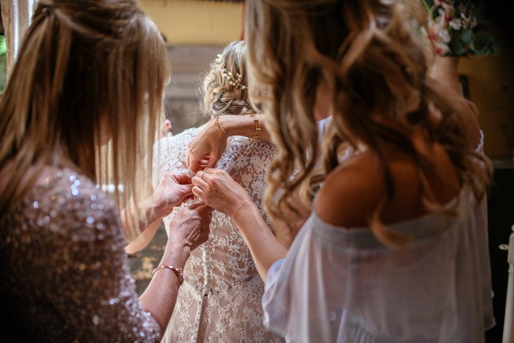michigan_wedding_at_blue_dress_barn_007.jpg