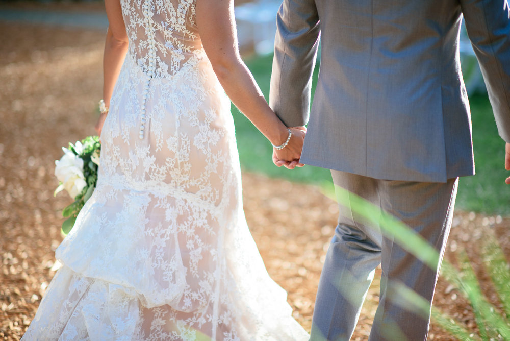 michigan_wedding_at_blue_dress_barn_047.jpg