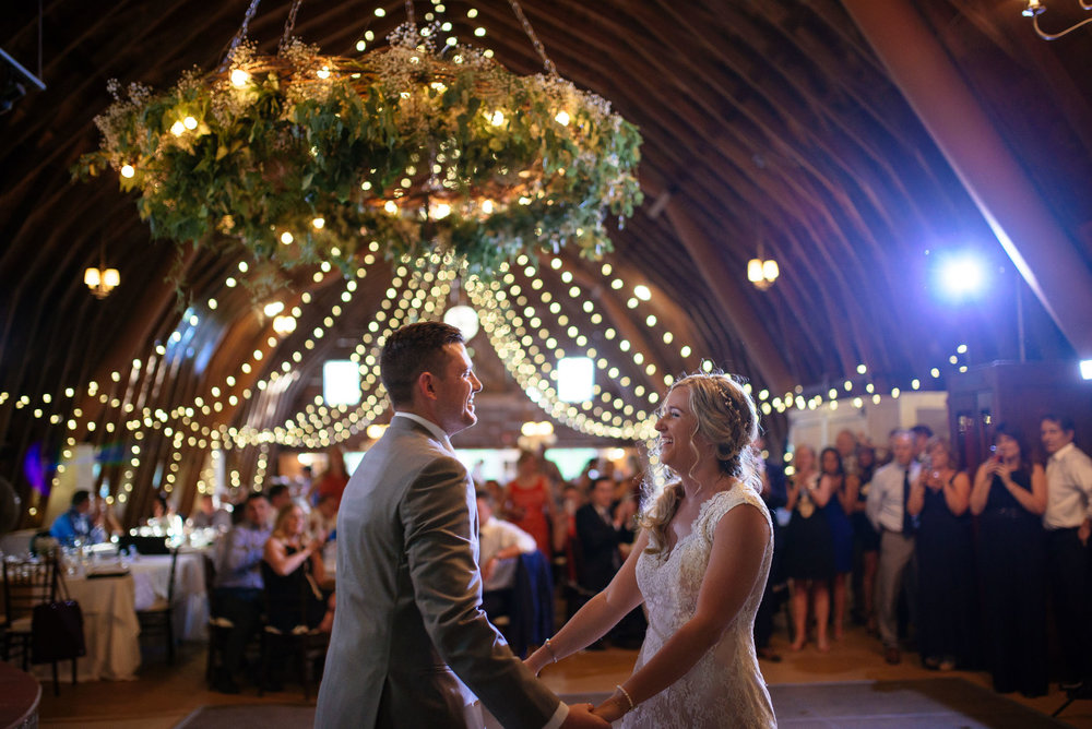 michigan_wedding_at_blue_dress_barn_058.jpg
