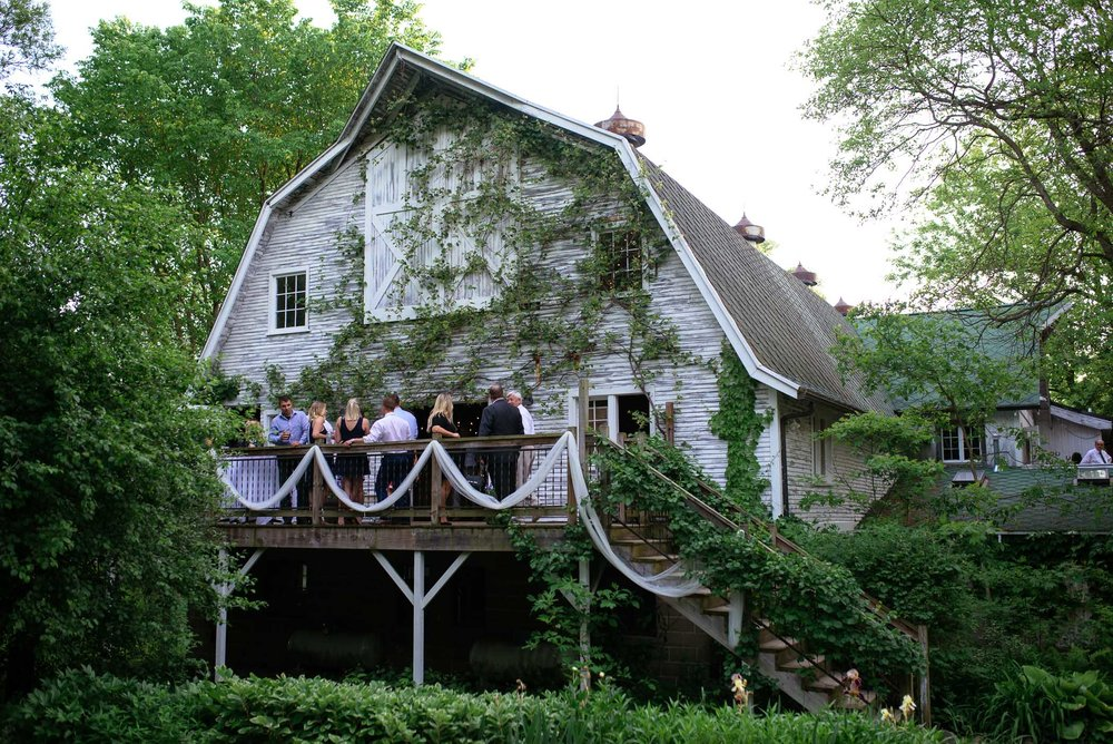 michigan_wedding_at_blue_dress_barn_069.jpg