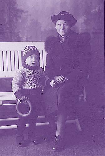 Oma & Mom.jpg