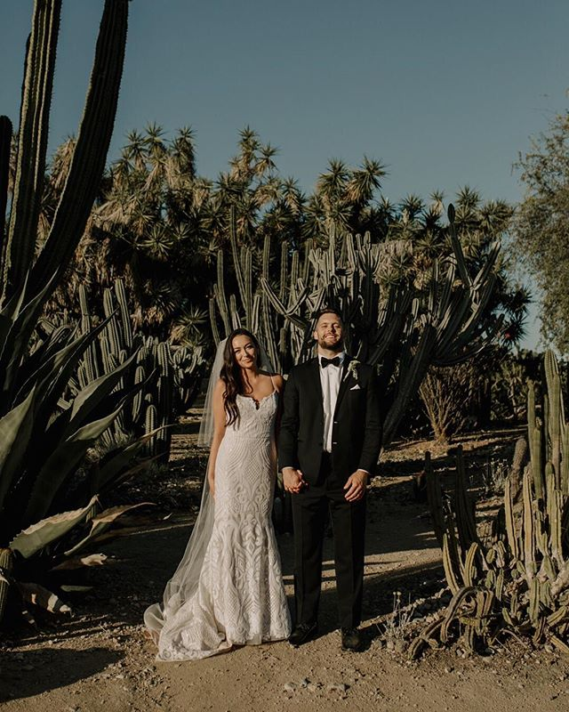 step one: get married ✔️ step two: cactus photobomb 🌵 . @lillygastil @milesgastil