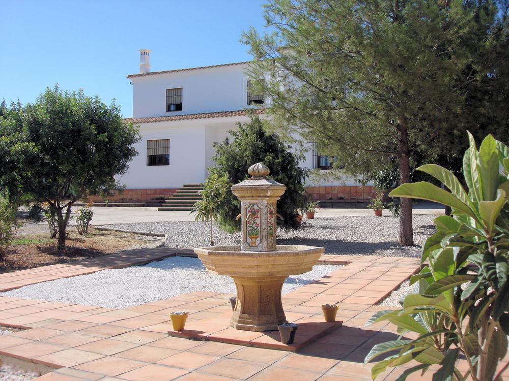 Casa La Sierrecilla fountain