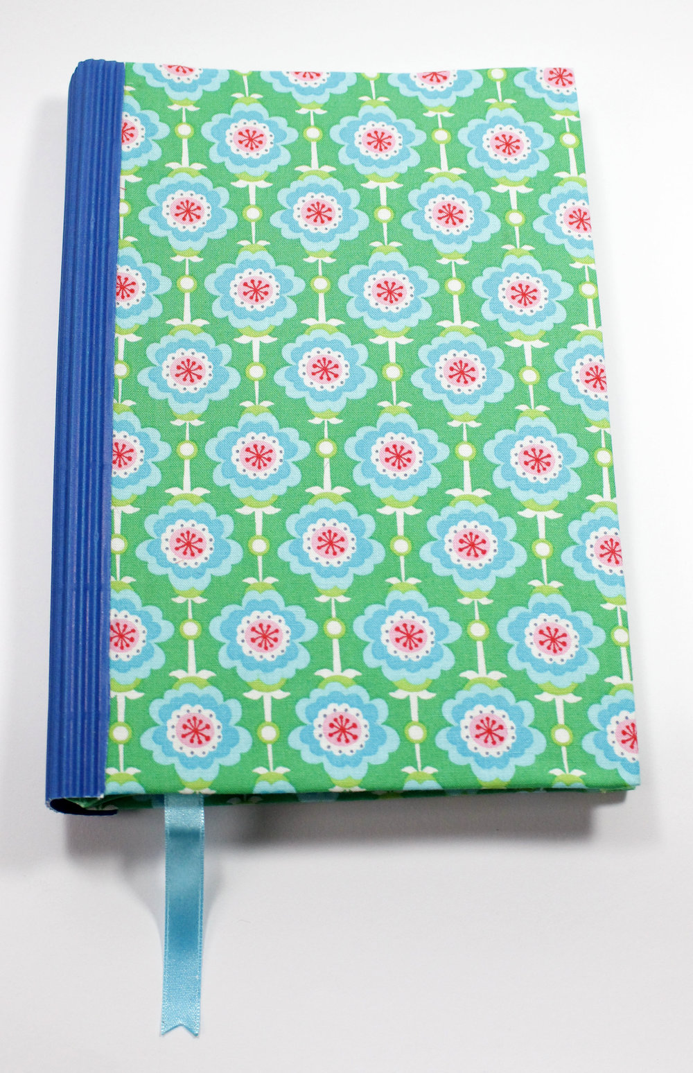 journal-retro-flowers-blue_1.JPG