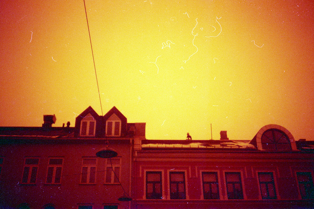 110319_Chinon_redscale_024.jpg