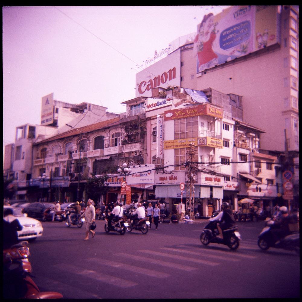 120512_Holga_Vietnam006.jpg