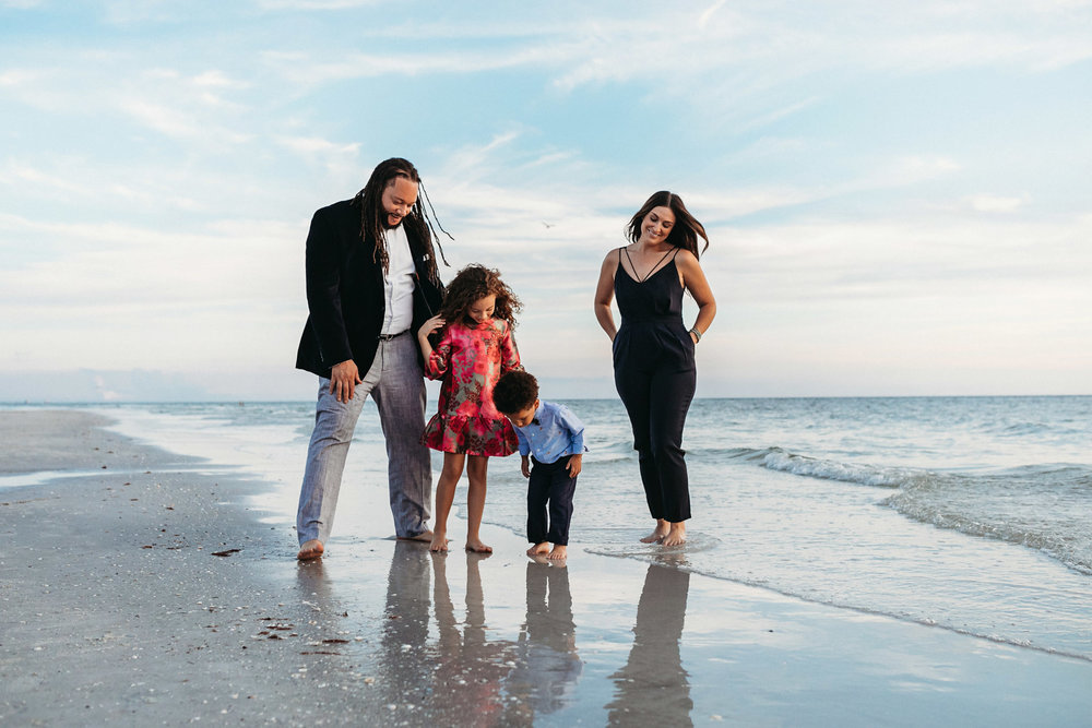 Tampa Family Photographer_Perry Family on the Beach-8.jpg