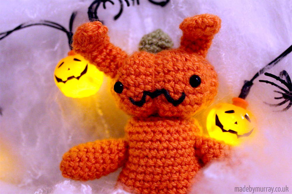 Pumpkibun pattern is available through Ravelry