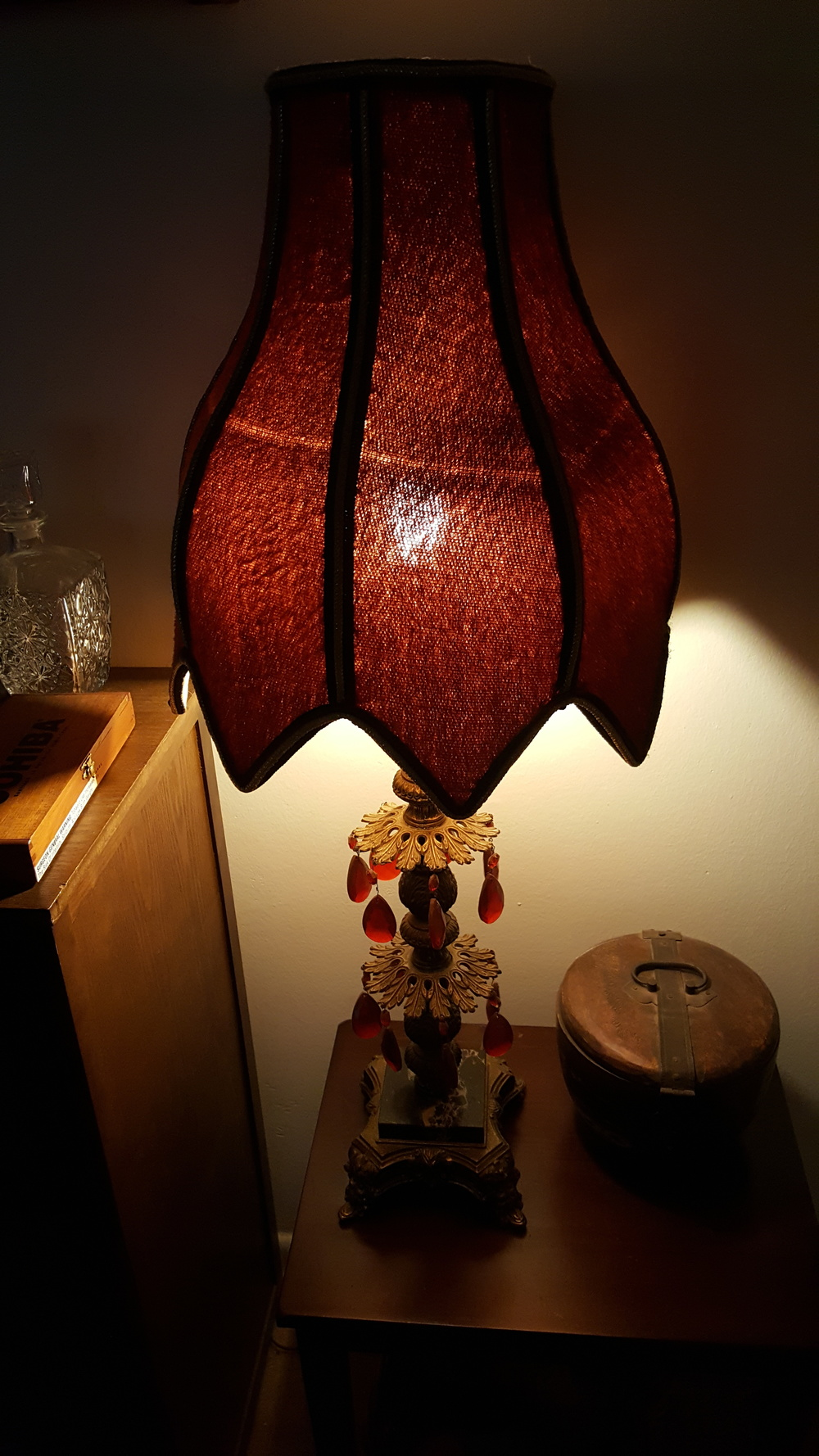Tony's Grandma's brothel lamp talked about on many episodes.
