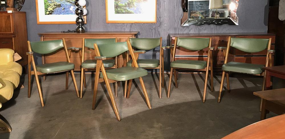 foldingchairs.jpg