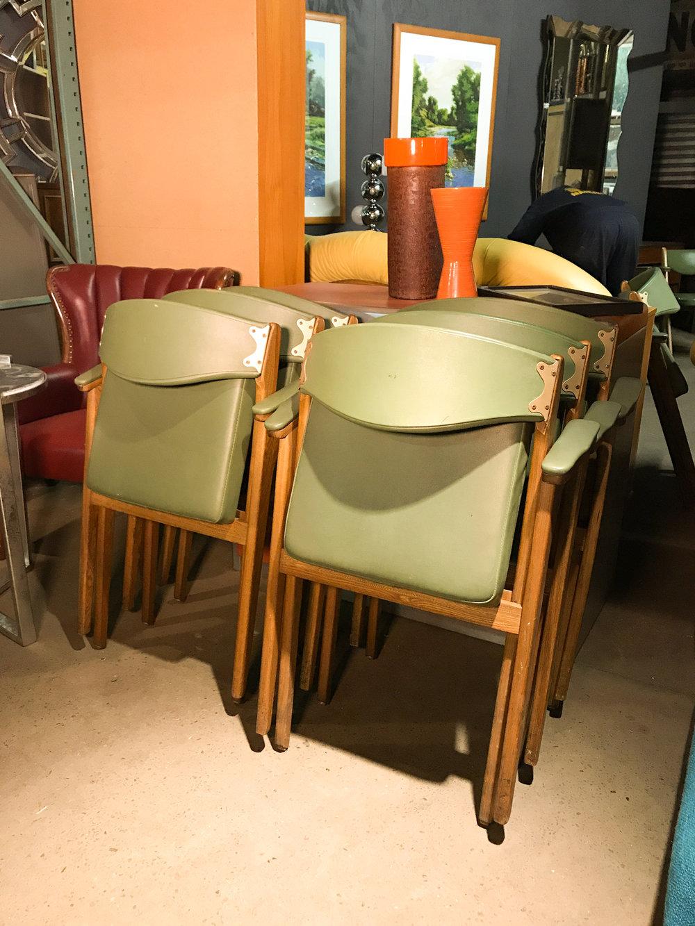foldingchairsfolding.jpg